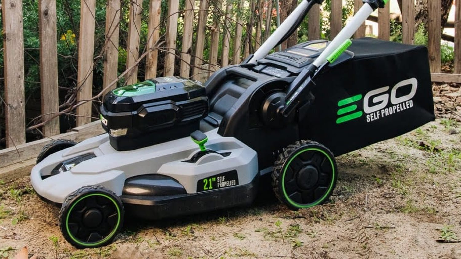 5 Best Lawn Mowers that Will Turn Mowing into an Enjoyable Task