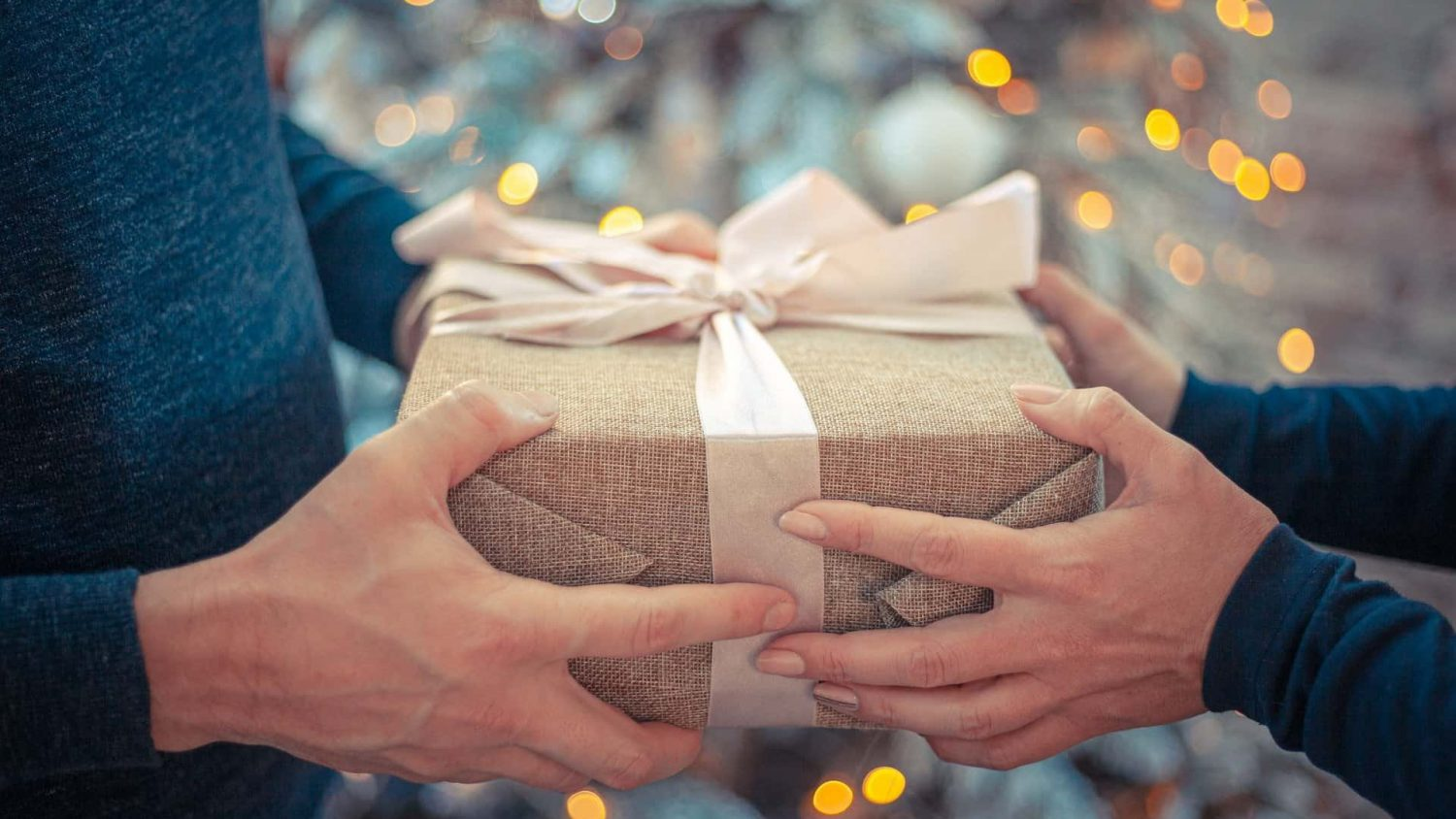40 Best Gifts for Men Who Have Everything – A Complete Buying Guide for a Best Gift that Will Leave The Man You Care About Speechless