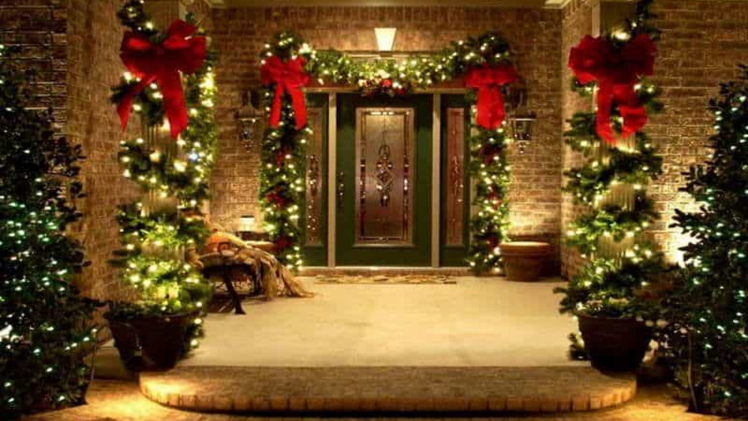 30+ Christmas Garden Ideas to Bring the Festive Spirit to Your Yard