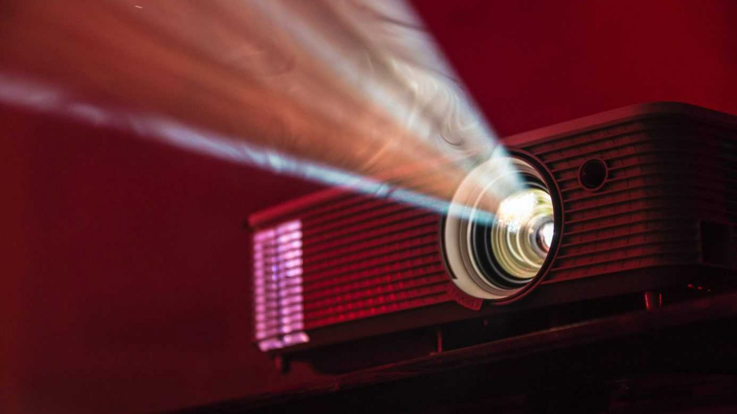 How To Choose A Home Theater Projector In 2021 – The Effortless Guide To The Ultimate Home Viewing Experience